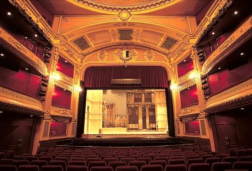 חמישי תרבותי - לילה באופרה